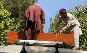 Ataque terrorista em Cabul faz mais de 100 mortos e 150 feridos