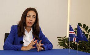 Cabo Verde atribui medalha de mérito à embaixadora da UE em fim de missão