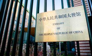 Covid-19: Embaixada da China nos EUA denuncia