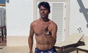 Jorge Corrula arrasa com dança sexy em tronco nu [vídeo]