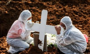 Covid-19: Pelo menos 4.492.854 mortos no mundo desde o início da pandemia
