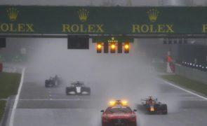 Verstappen com 'meia' vitória em Spa, no mais curto GP de Fórmula 1 de sempre