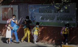China veta testes escritos para crianças de 6 e 7 anos para aliviar pressão nas escolas