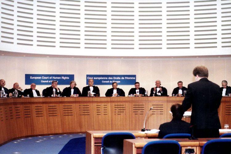 Raparigas muçulmanas devem ter aulas de natação mistas - Tribunal Europeu