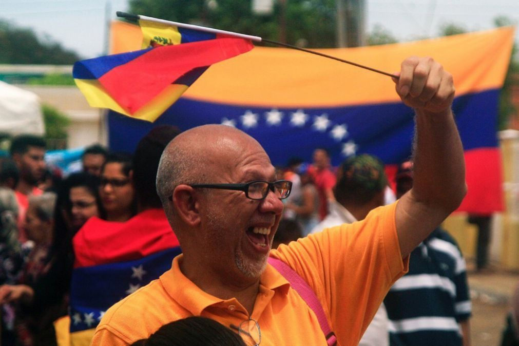 Venezuela: Estados Unidos advertem Caracas sobre medidas económicas fortes e rápidas