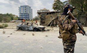 Ramo afegão do EI reivindica lançamento de seis 'rockets' em Cabul