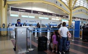 Covid-19: União Europeia volta a recomendar restrições a viagens desde os EUA