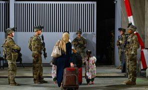 Afeganistão: Tropas norte-americanas abandonam país - Pentágono