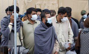 Afeganistão: Pentágono admite incapacidade de retirar todos os civis pretendidos