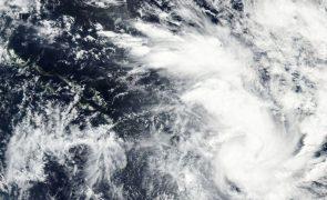Autoridades cabo-verdianas redobram alertas com aproximar dedepressão tropical