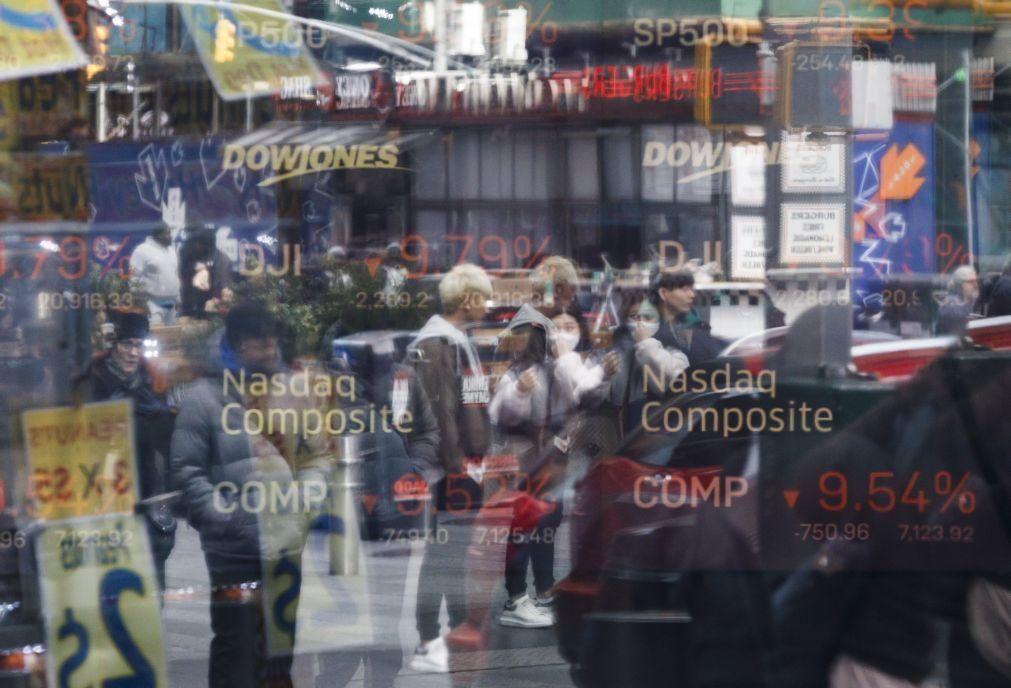 Bolsa de Nova Iorque encerra agosto em alta apesar de dia no 'vermelho'