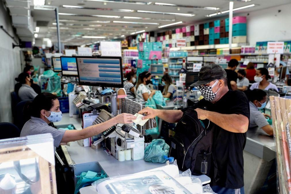 Economia brasileira recua 0,1% no segundo trimestre