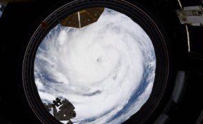 Nova tempestade tropical Larry torna-se furacão na quinta ou sexta-feira