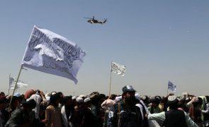 Afeganistão: Talibãs anunciam novo Governo nos próximos dias