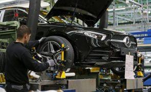 Confiança da indústria automóvel alemã cai em agosto por falta de 'chips' - Ifo