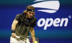 US Open: Stefanos Tsitsipas escapa a tempestade e segue rumo à terceira ronda