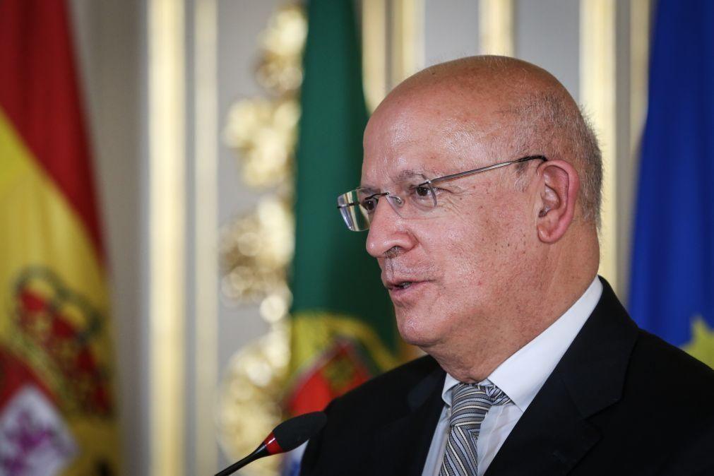 Santos Silva diz que conflitos em África são responsabilidade direta da UE e não dos EUA