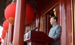 Governo chinês proíbe homens com aspeto considerado afeminado em programas de televisão