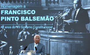 Costa destaca ação de Pinto Balsemão para a