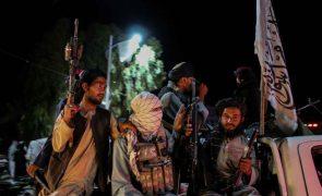 Afeganistão: MNE da UE definem cinco critérios para