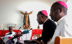 Bispos angolanos alertam paraexistência de grupos religiosos