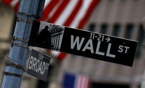 Wall Street encerra em terreno misto após dados de emprego dececionantes