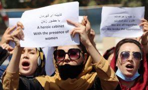 Talibãs dispersam protesto de mulheres no Afeganistão com tiros para o ar