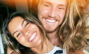 Carolina Loureiro e o primeiro beijo com Vitor Kley