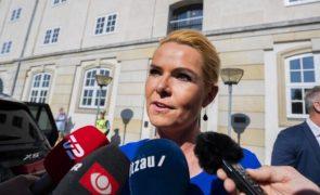Ex-ministra julgada na Dinamarca por separar casais de refugiados