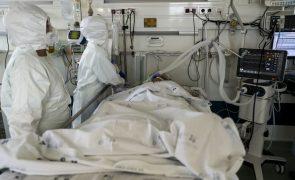Covid-19: Mais 1.713 infeções e mais 13 mortes em Portugal