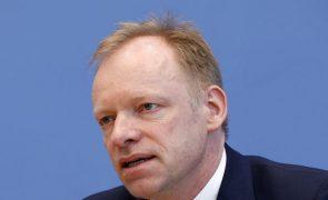 Economia alemã deverá escapar a impacto negativo pós-eleitoral