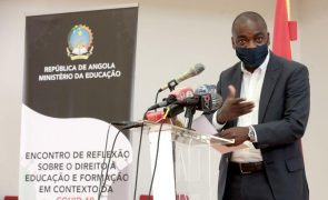 Divisão político-administrativa angolana