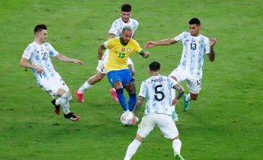 Covid-19: Quatro jogadores da Argentina em quarentena na chegada ao Brasil