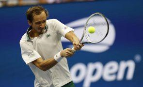 US Open: Daniil Medvedev bate Daniel Evans e segue para os quartos de final