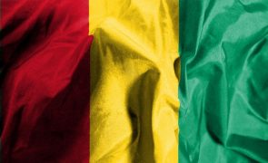 Militares golpistas na Guiné-Conacri convocam antigos ministros para reunião