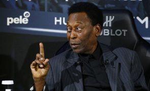 Pelé revela que tirou tumor no cólon direito