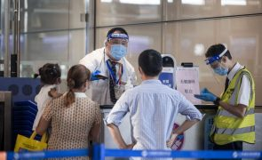 Covid-19: China exige que viajantes oriundos de Portugal façam quarentena antes de partirem
