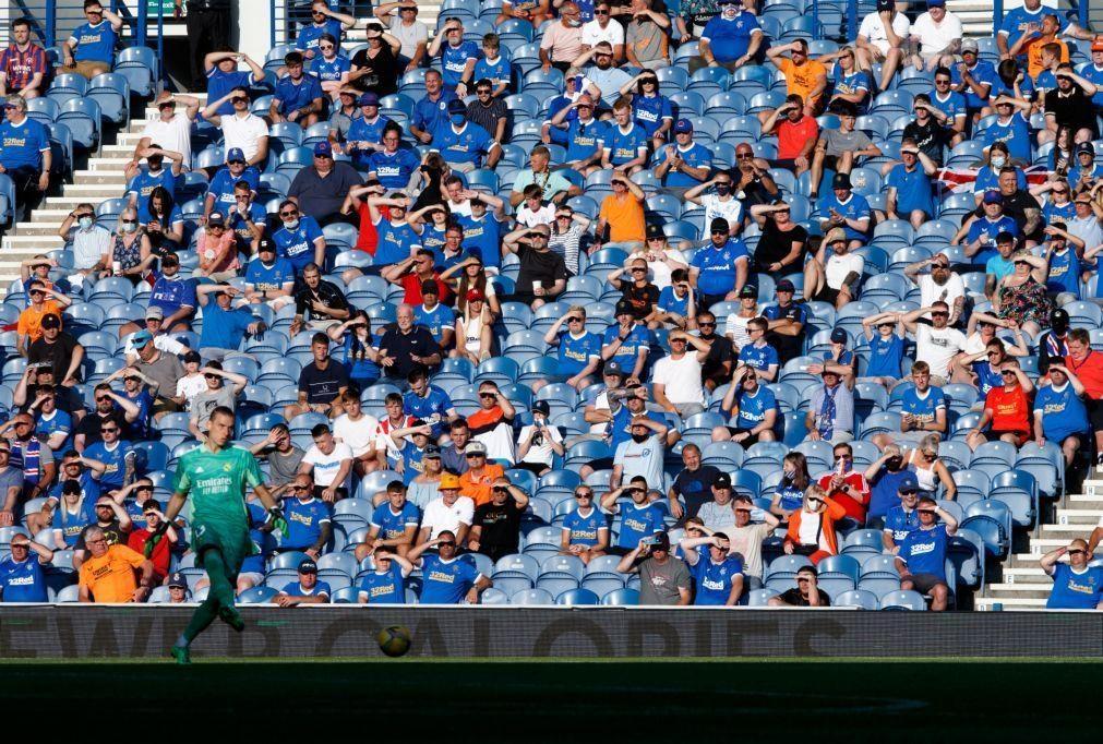 Covid-19: UEFA levanta suspensão da presença de adeptos de clubes visitantes nos estádios