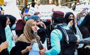 Talibãs dispersam novas manifestações em Cabul