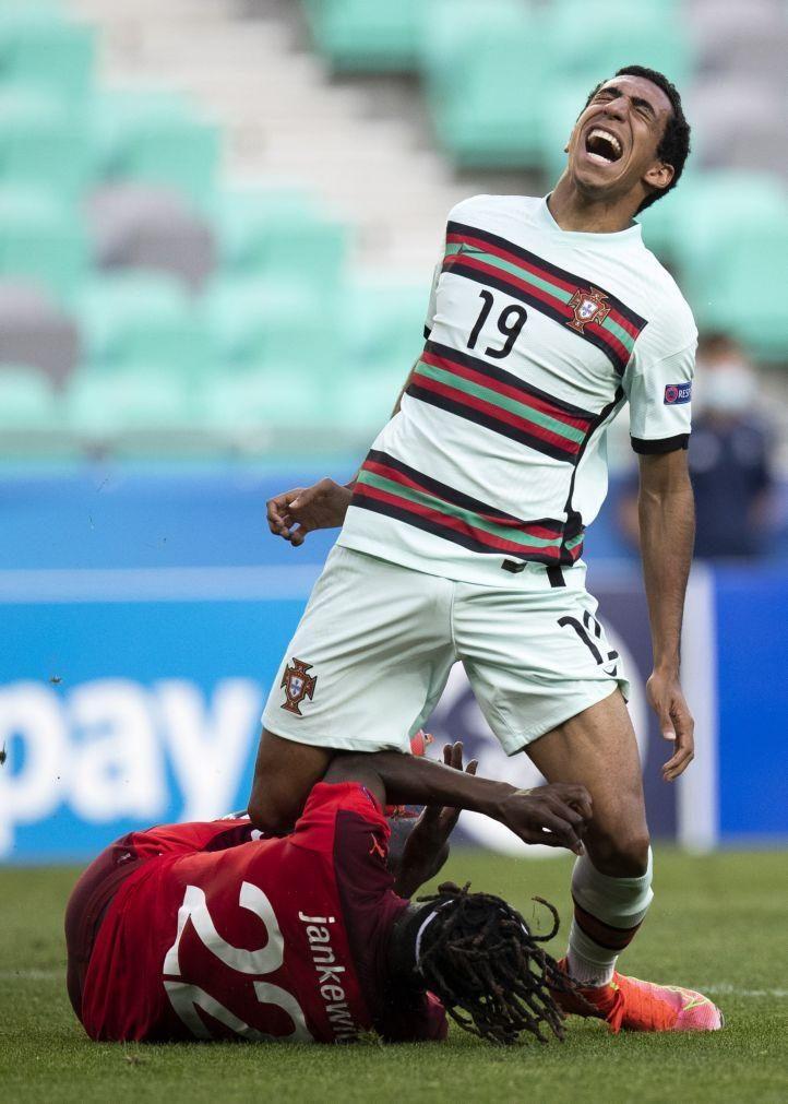 Tiago Tomás em tratamento no Sporting com queixas na coxa direita