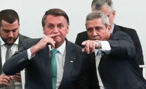 Bolsonaro ameaça juízes e avisa que protestos são ultimato aos poderes no Brasil