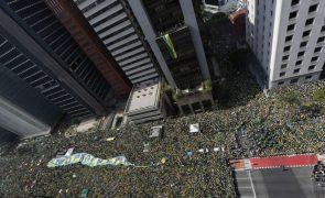 Brasília coberta de verde e amarelo em protesto pacífico, mas com ameaças de Bolsonaro