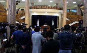 UE critica novo Governo afegão por não ser