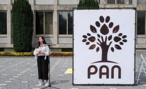 PAN quer alargar de cinco para 20 as faltas justificadas por perda de filho