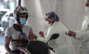 Covid-19: Brasil soma 250 mortes e 14.430 novos casos e mantém tendência de queda
