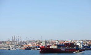 Exportações aumentam 11,7% e importações sobem 21,4% em julho -- INE