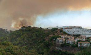 Cerca de 600 pessoas retiradas em incêndio no sul de Espanha
