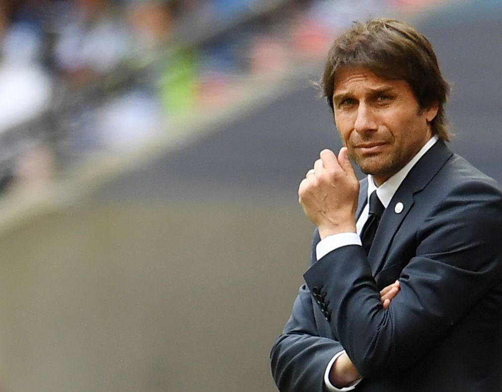 Chelsea anuncia renovação de Antonio Conte, dissipando rumores de eventual saída