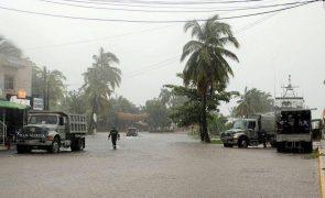 Tempestade Olaf transformou-se em furacão ao largo da costa mexicana