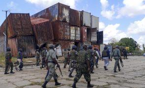 Moçambique/Ataques: Vila reconquistada está deserta e marcada por destruição